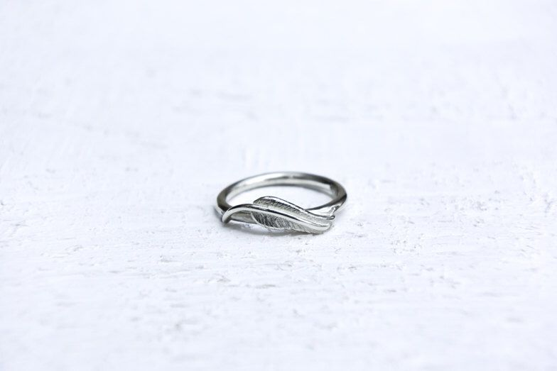 Stackable Sea Feather Ring by SelkieJewellery on Etsy https://www.etsy.com/uk/listing/469821621/stackable-sea-feather-ring