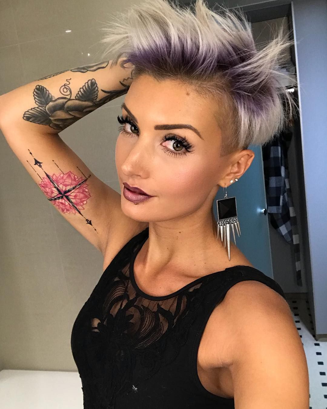 Pin by Kristina Wayt on pixie cut in 2019   Hair, Hair ...
