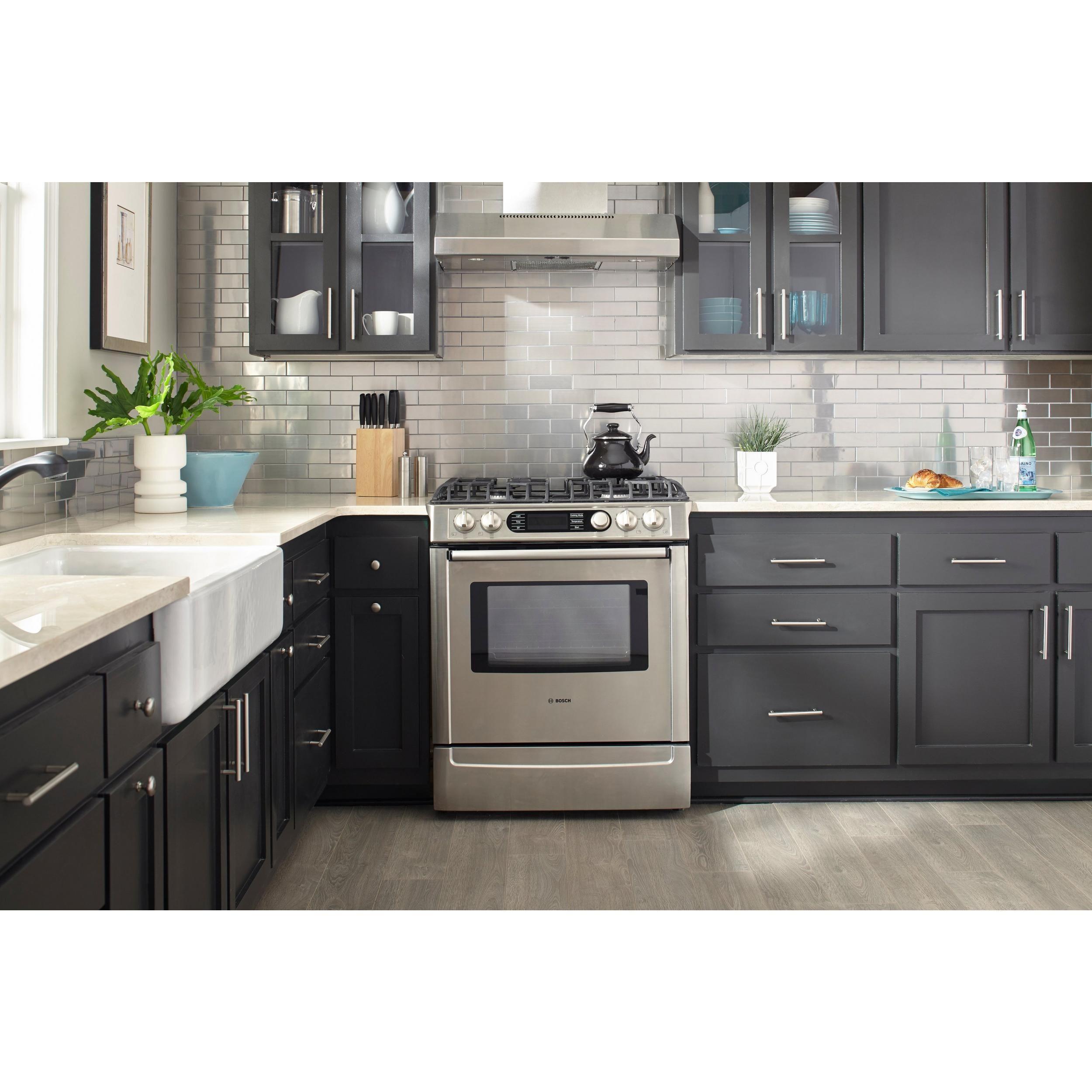 Century Oak Laminate Kitchen without backsplash, Kitchen