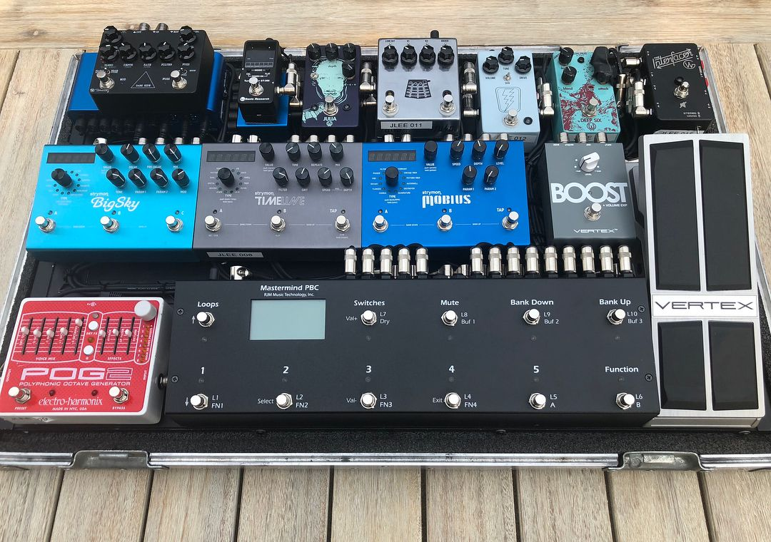 s new pedalboard all the good stuff pedals and pedalboards in 2019. Black Bedroom Furniture Sets. Home Design Ideas