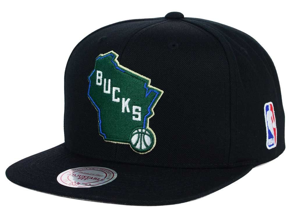 b1b056af1b8 Milwaukee Bucks Mitchell and Ness NBA XL Logo Snapback Cap