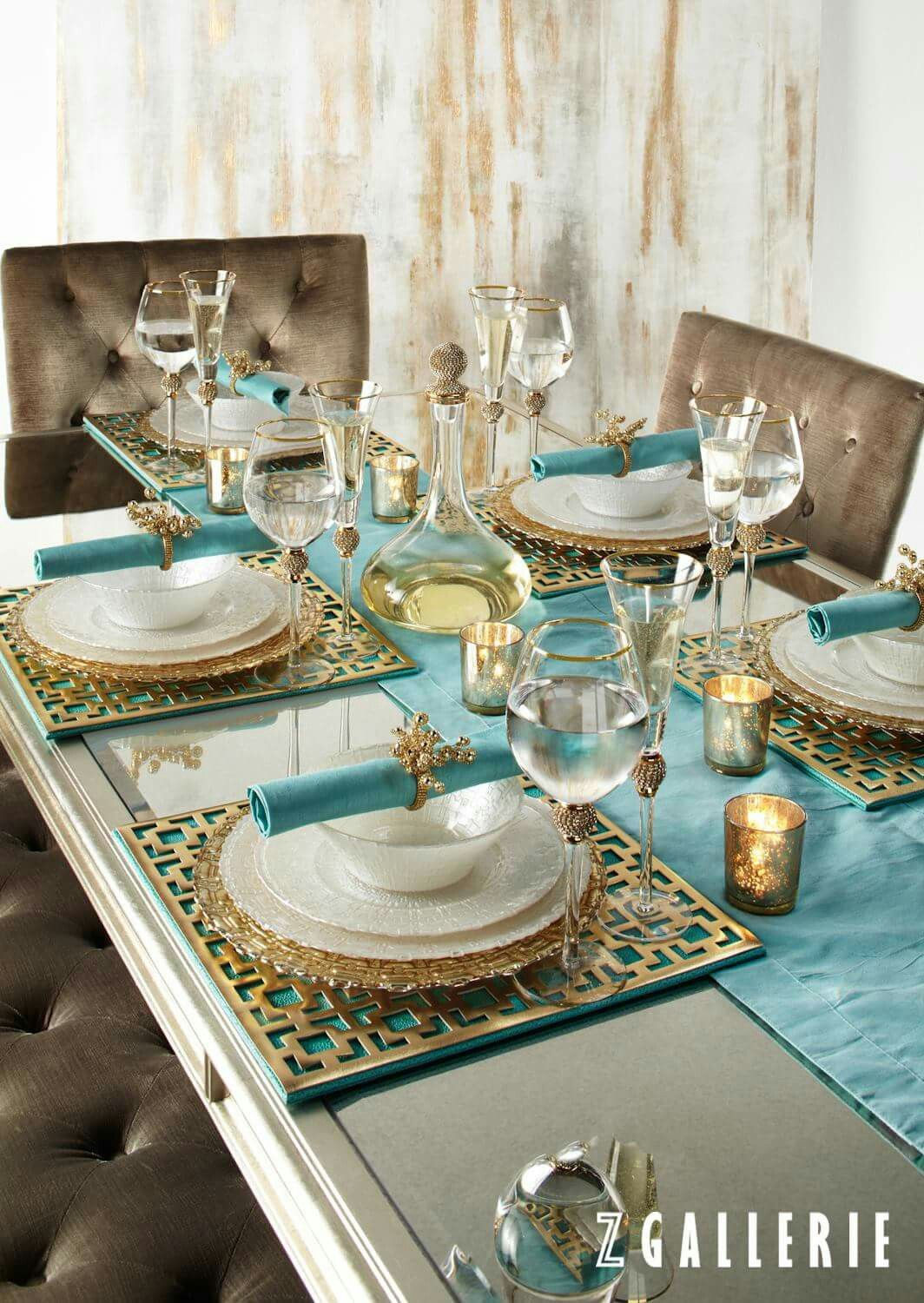 Turquoise gold dining tablescape colour aqua for Teal dining room decorating ideas