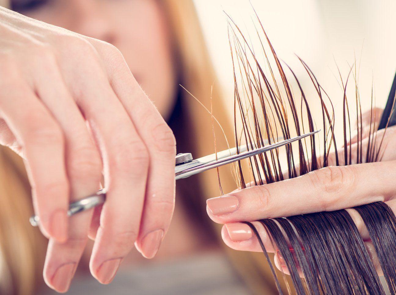 Haare selber schneiden: So gelingt die DIY-Frisur   Haare
