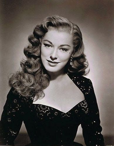 Victory Rolls Is One Of The Popular Models In 1940s Vintage Hairstyles Description 1940s Hairstyles For Long Hair Vintage Hairstyles For Long Hair Hair Styles