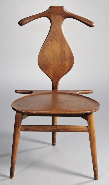 hans wegner chairs epitomize the combination of form and function in design furniture hans wegner furniture examples include the cow horn