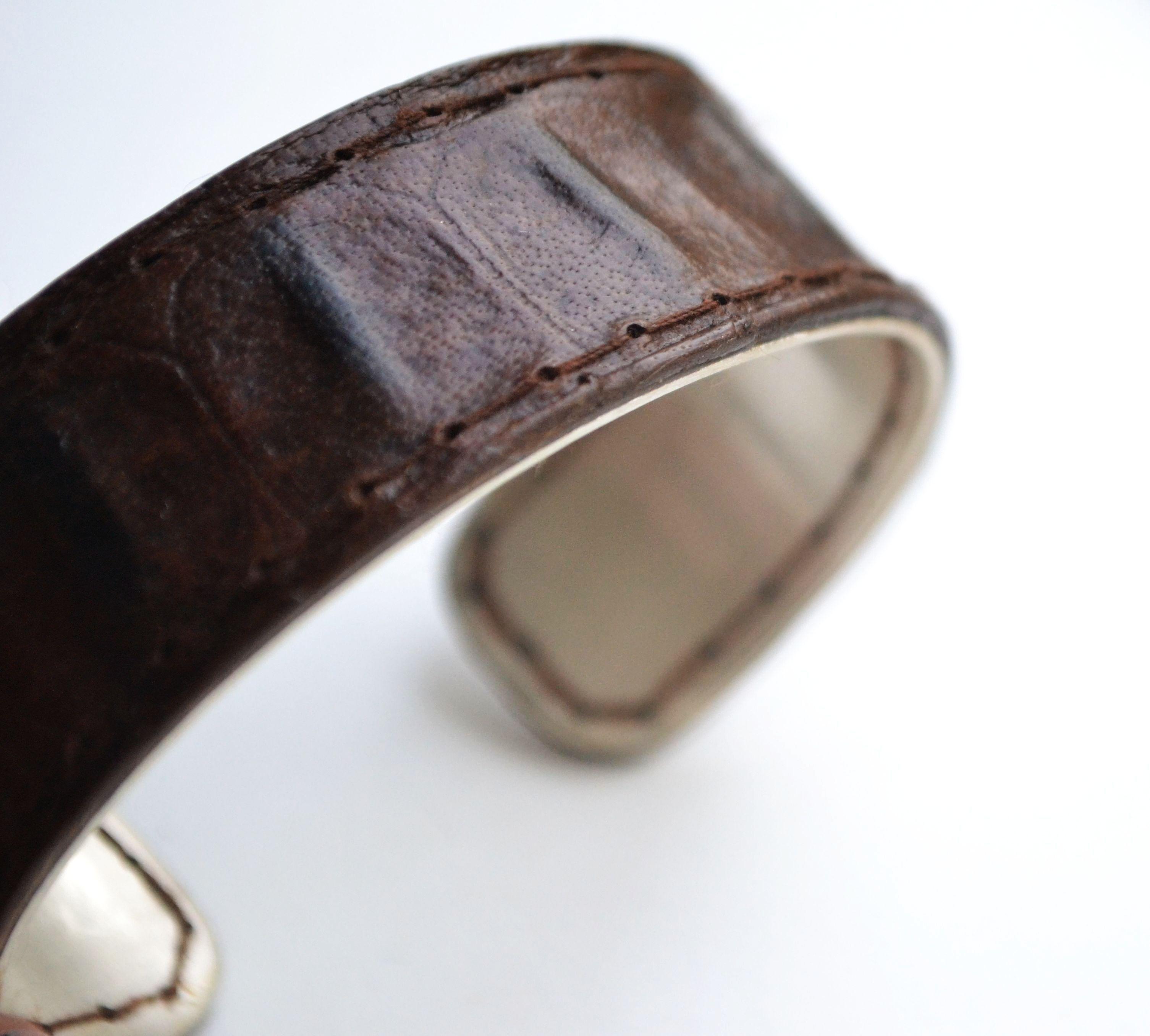 silver and leather bracelet www.facebook.com/keysergoudsmid