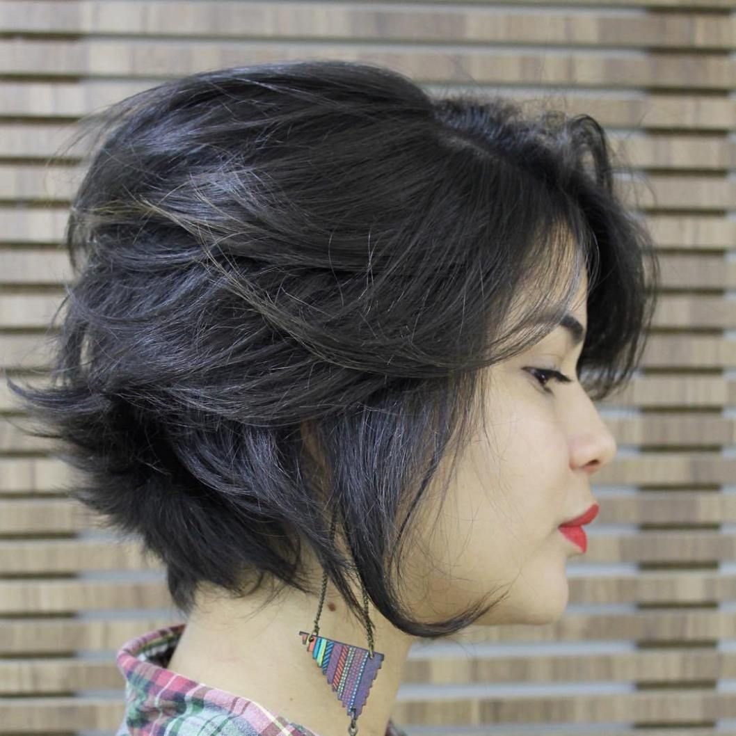 super cute looks with short hairstyles for round faces tousled