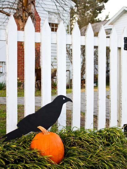 Giant Raven Outdoor Halloween Decoration Outdoor halloween - halloween homemade decoration ideas