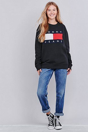 47f23b39 UO Exclusive Tommy Jeans Black Crew Neck Sweatshirt | lovely outfits ...
