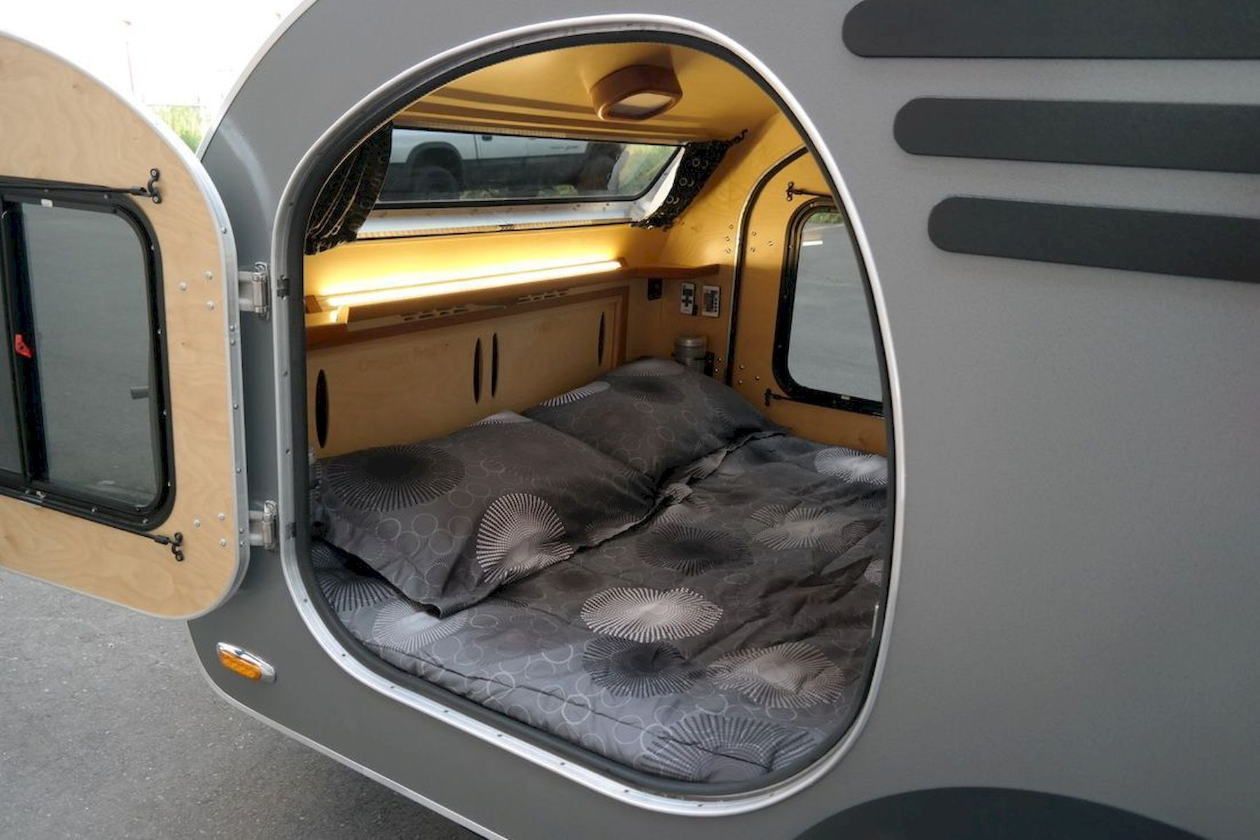 17 Awesome Tiny Camper Interiors Teardrop Trailer Interior