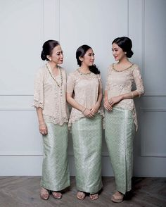 "Photo of The Bride's Bestfriend on Instagram: ""A #FriendsofTBBF post that will surely inspire you to dress up your bridesmaids or siblings. Clad in a combination of songket and lace top,…"""