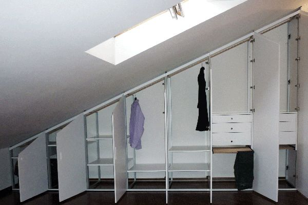 Marcaclac armadi mansarda camera pinterest mansarda - I mobili nel guardaroba ...