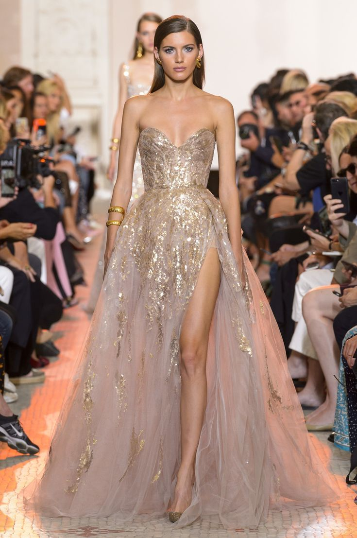 Elie Saab at Couture Fall 10  Gowns, Fancy dresses, Prom dresses