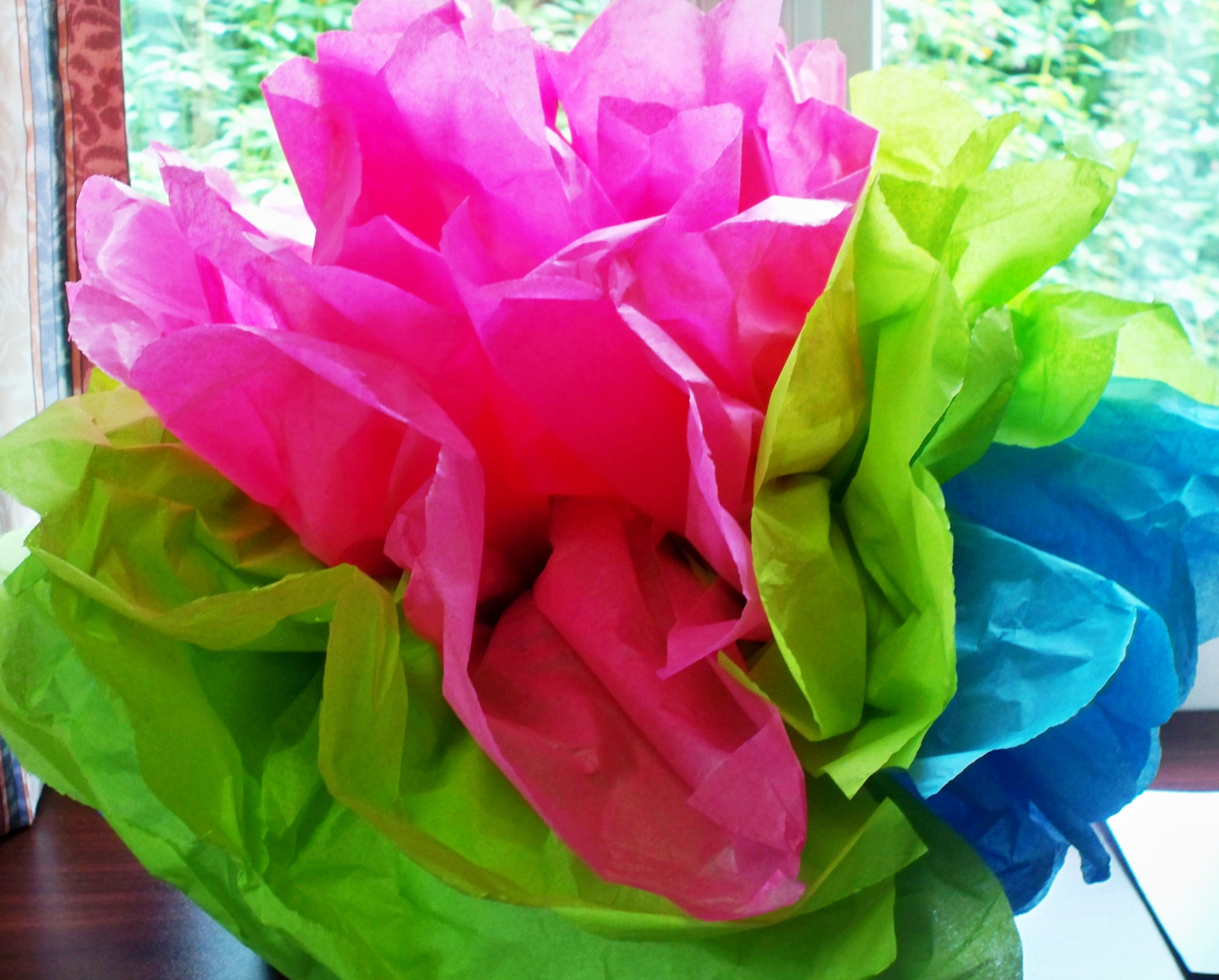 This large hawaiian tissue paper flower was created by the residents this large hawaiian tissue paper flower was created by the residents of arbutus they enjoyed izmirmasajfo