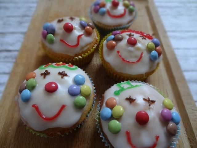 clown muffins essen f r kinder pinterest fasching. Black Bedroom Furniture Sets. Home Design Ideas
