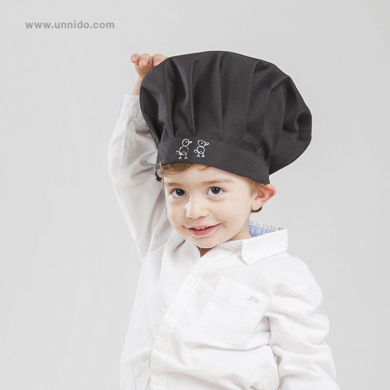"""Delantal y gorro de  cocina  infantil """"Pájaro"""". Un  regalo especial y  diferentes para  niños. Ilustración y pintura de los pájaros en el delantal  y el ... d43520a7a63"""