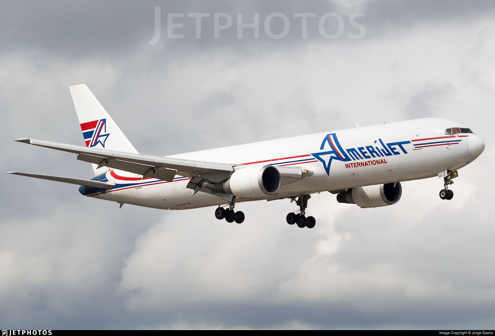 Airline Amerijet International (leased from CAM