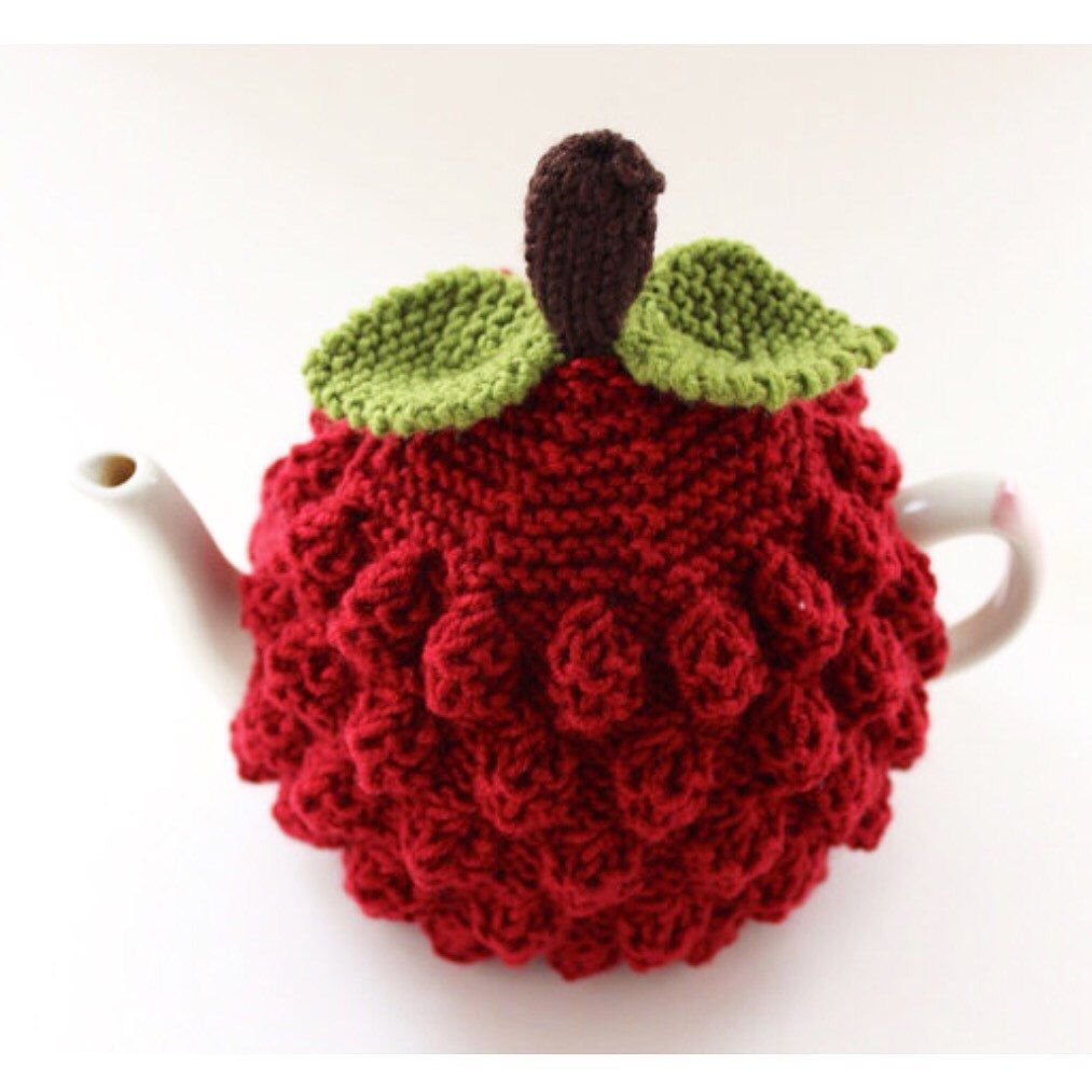 Raspberry Tea Cosy in Pure Merino Wool - Size Small (fits ...