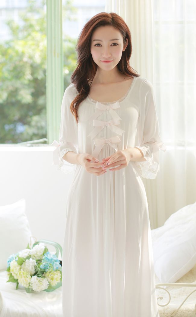 cb186e147759 Купить товар Бесплатная Доставка Принцесса Рубашки женские Белые Длинные  Пижамы Тонкий Материал Ночной Рубашке Осень Пижамы
