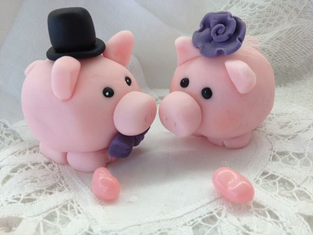 these little piggies went to a wedding...and...these little piggies sat on top of the cake!!! custom fondant cake toppers available at Candy Cove!!!!