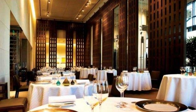 The Guy Savoy--Restaurant in Vegas in Caesar's Palace in chapter 17