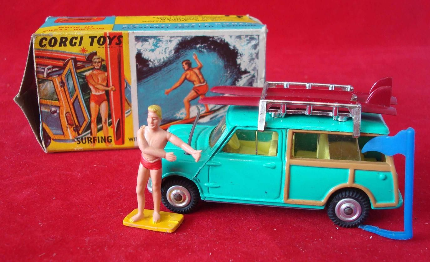 vintage corgi toys Mini Countryman with surfer & surfboards