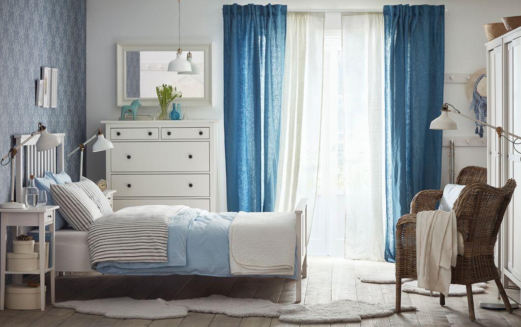 Ein mittelgroßes Schlafzimmer u a HEMNES Bettgestell weiß - schlafzimmer wei ikea