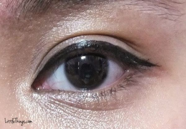Your eye color reveals information about your personality. Mine was SO TRUE! #1 Dark Brown/Black Eyes. People with dark brown or black eyes are typically natural born leaders, in fact, black irises are very...