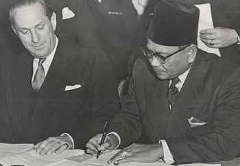 Archives the star onlineal of independence tunku abdul rahman seal of independence tunku abdul rahman right signing the merdeka agreement at a ceremony in lancaster house in london on feb 8 1956 platinumwayz
