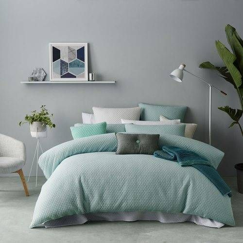 Stock A Wide Selection Of Luxury Premium Designed Quilt