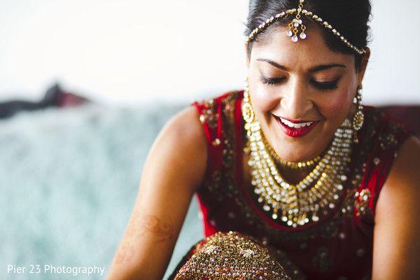 Getting Ready http://www.maharaniweddings.com/gallery/photo/31590