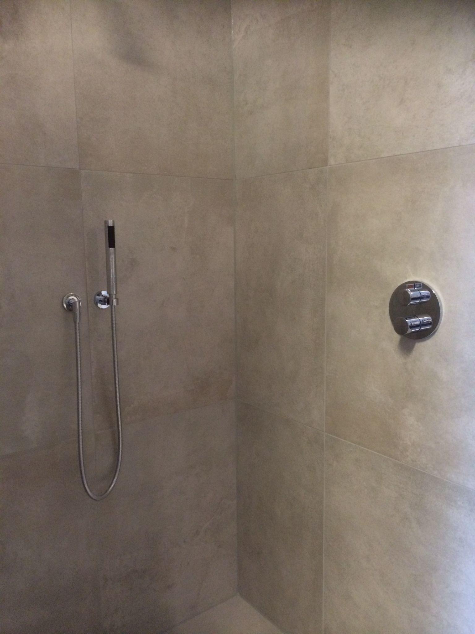 beton look tegels 80x80 badkamer pinterest tegels badkamer