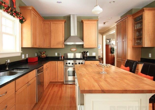 the best kitchen wall color for oak cabinets black counters in