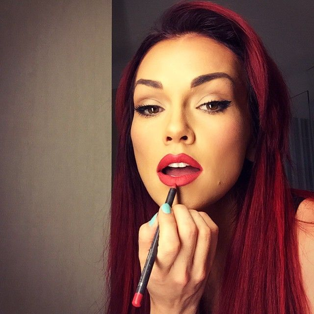 NEW VIDEO🎥 I call this photo Jessica Rabbit meets Everday