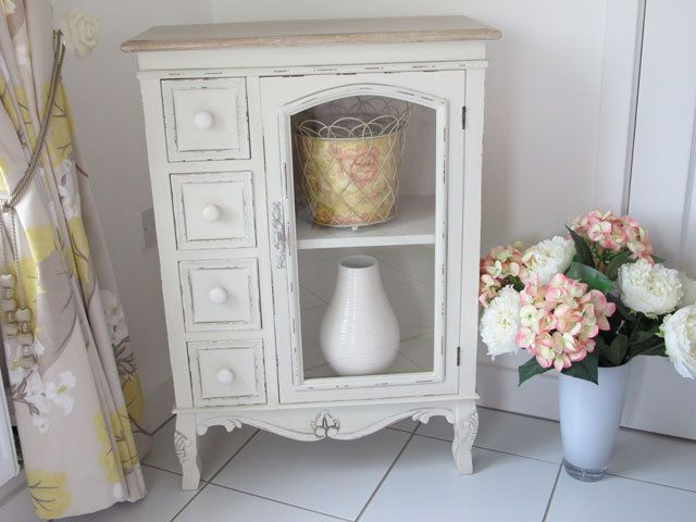 Very Pretty Shabby Chic Painted French Style Decorative Display Cabinet