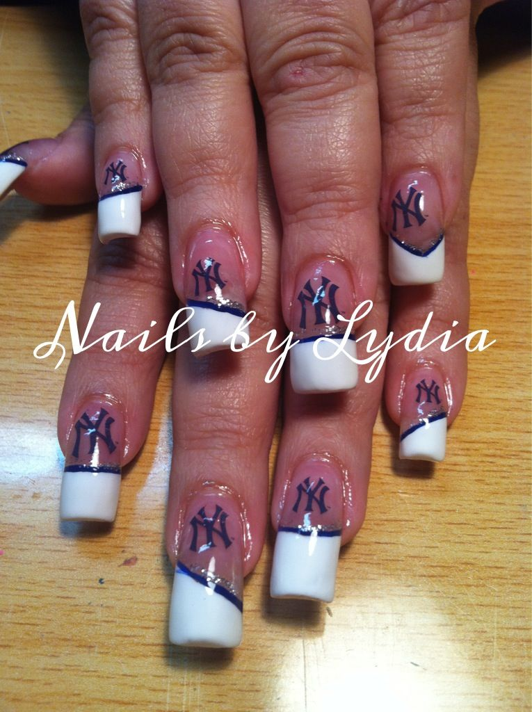 New York Yankees fan | Nails by Lydia 3 | Pinterest | Yankees nails ...