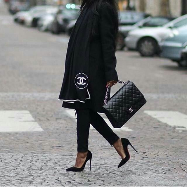 Black is the new black #olivialafabuleuse
