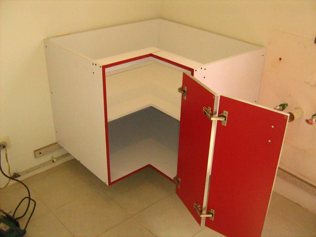 Resultado de imagen para muebles bajo mesada cocina con for Esquineros de madera para cocina