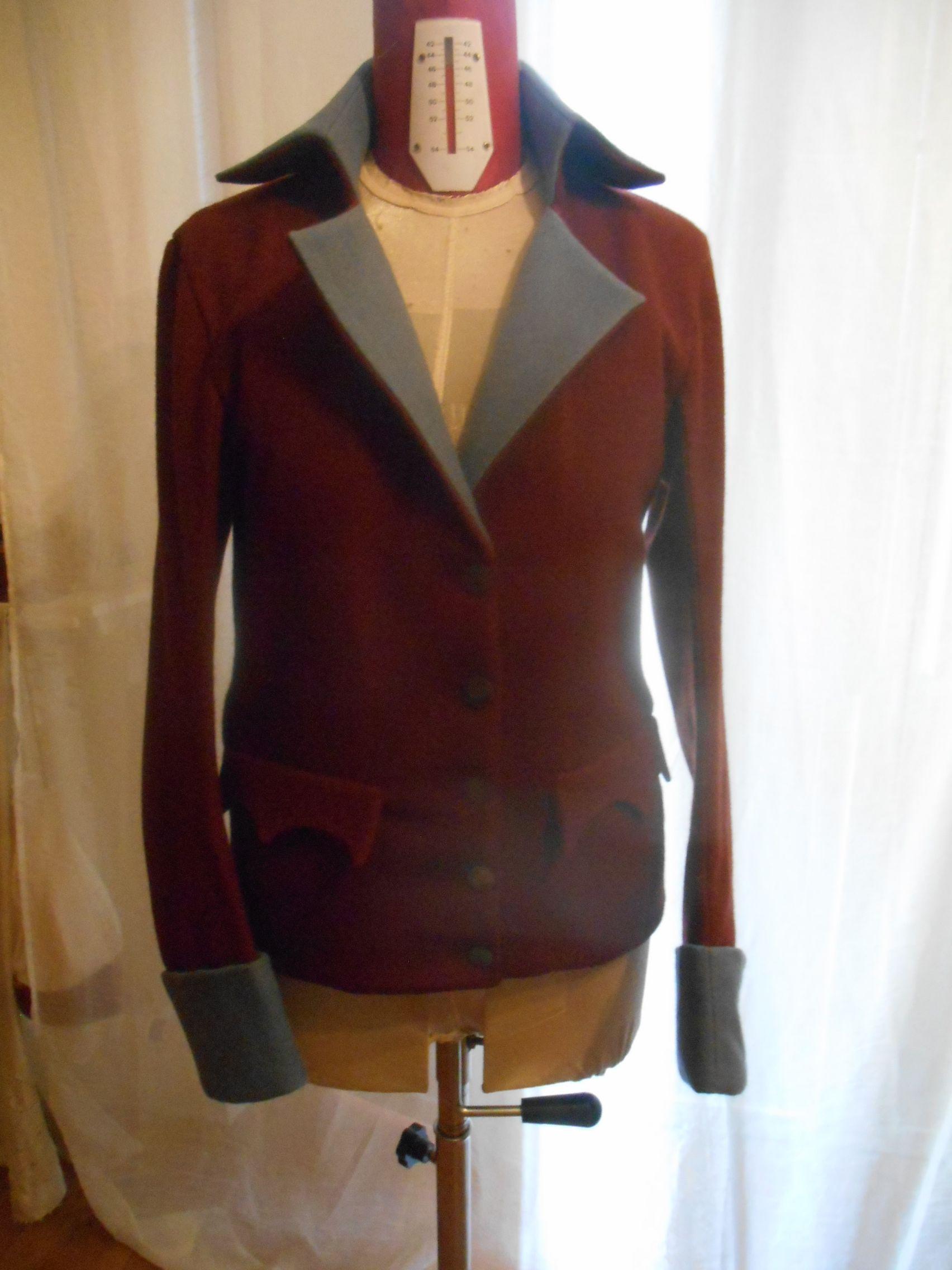carmagnole rivoluzionaria in panno di lana doppiata,bottoni originali da scavo