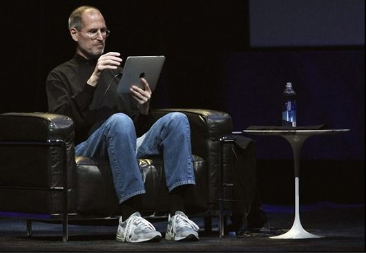 Steve Jobs wears the iconic 990 series.