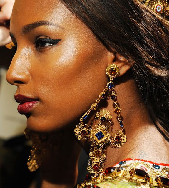 BEAUTYFASHION: Intricate and exquisite artistry