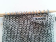 Einfache bunte Armstulpen stricken Einfache bunte Armstulpen stricken