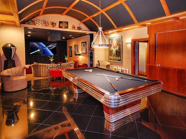 10 masculine and sports themed home theaters home - Game room in house ...