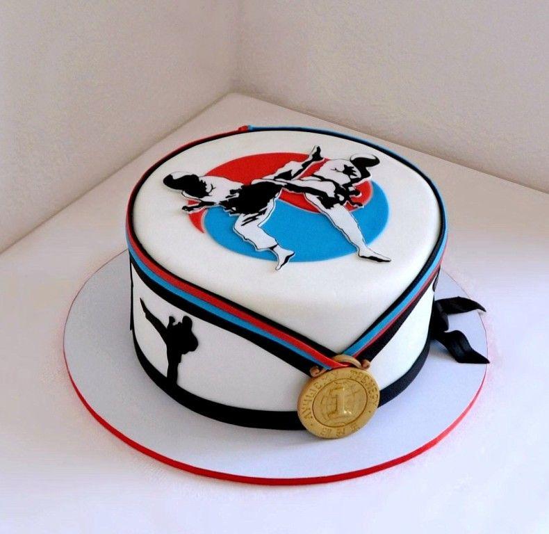 торт с рисунком каратэ него только одна