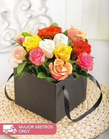 12 Mixed Roses in a Black Box