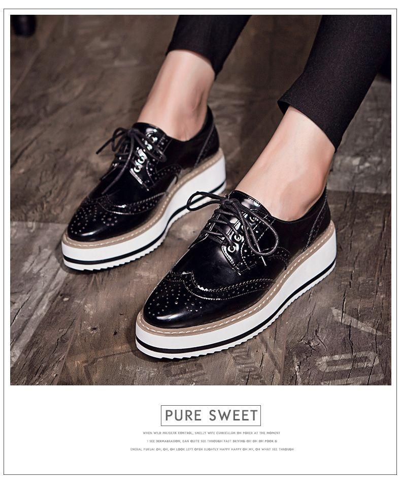 New mulheres asas Oxford Lace Up plataforma listrada metálico de prata do  Vintage plataforma boi plana sapatos femininos em Sapato baixo de Calçados  no ... 92c6d49300