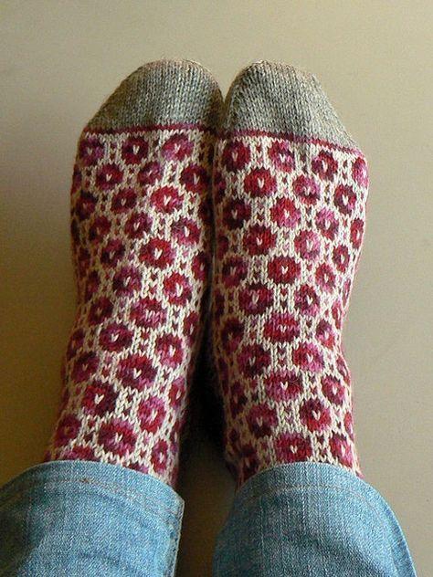 puralana's Kitsisilmakiri socks