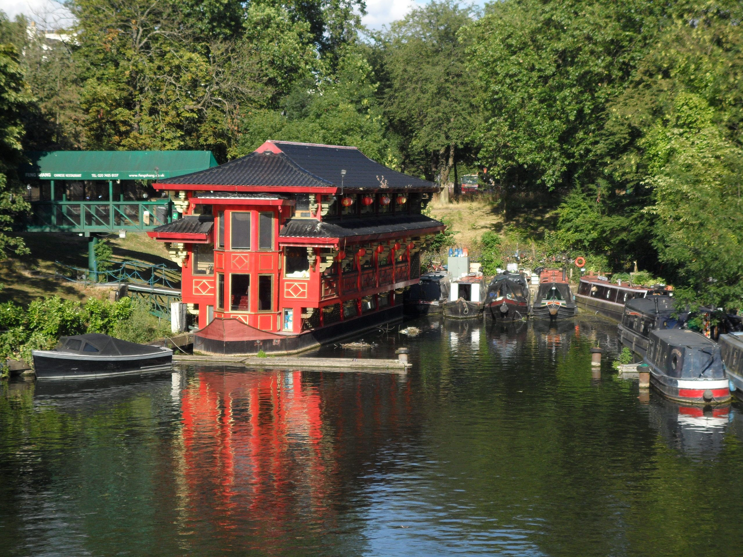 A Floating Chinese Restaurant On Regent S Canal Canals Regents Canal Chinese Restaurant