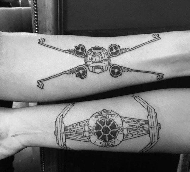 36 tatouages qui vont faire r ver les plus geeks d 39 entre vous tatouages tatouages star wars. Black Bedroom Furniture Sets. Home Design Ideas