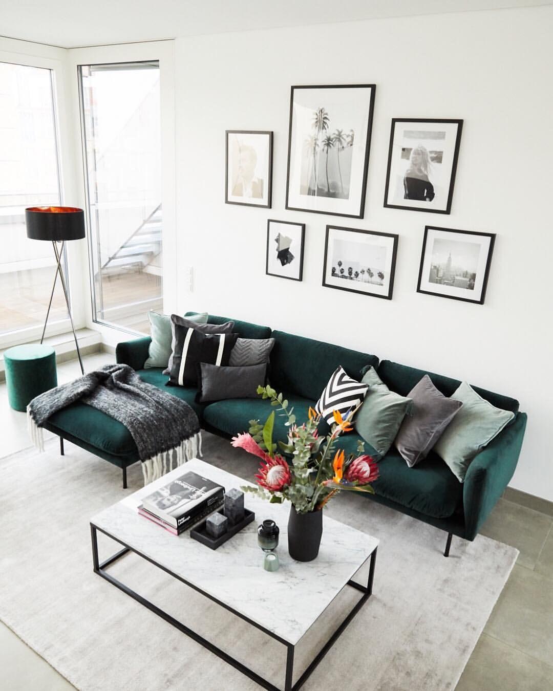 """Photo of WESTWING Germany på Instagram: """"Den store sofaen i Stefanie Giesinger & # 39; s nyinnredede stue er perfekt for å tilbringe koselige kvelder med venner og familie …"""""""